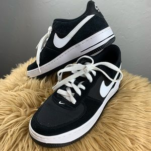 Nike Air Force 1 shoes- boys size 4.5 or women's 6